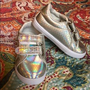 Other - Iridescent sneakers